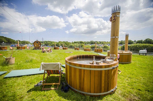 Liz Murray Photography - Isle of Wight Festival 2014 - Bathing Under The Sky 03