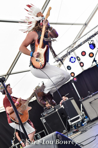 Darren Jones and the world Kusic Band at Village Green 2017