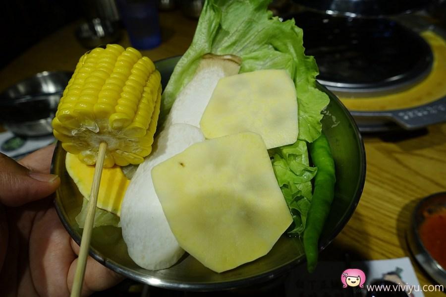 [桃園.美食]姜虎東678白丁韓式烤肉~韓國傳統烤肉.多樣小菜吃到飽 @VIVIYU小世界