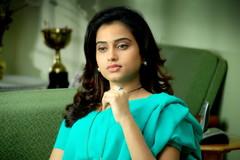 Indian Actress DIMPLE CHOPADE Hot Photos-Set-1 (18)