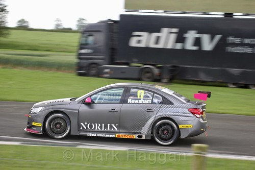 Dave Newsham in BTCC action at Croft, June 2017