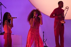 """Solange - Primavera Sound 2017 - Jueves - 5 - M63C5157 • <a style=""""font-size:0.8em;"""" href=""""http://www.flickr.com/photos/10290099@N07/34662301470/"""" target=""""_blank"""">View on Flickr</a>"""