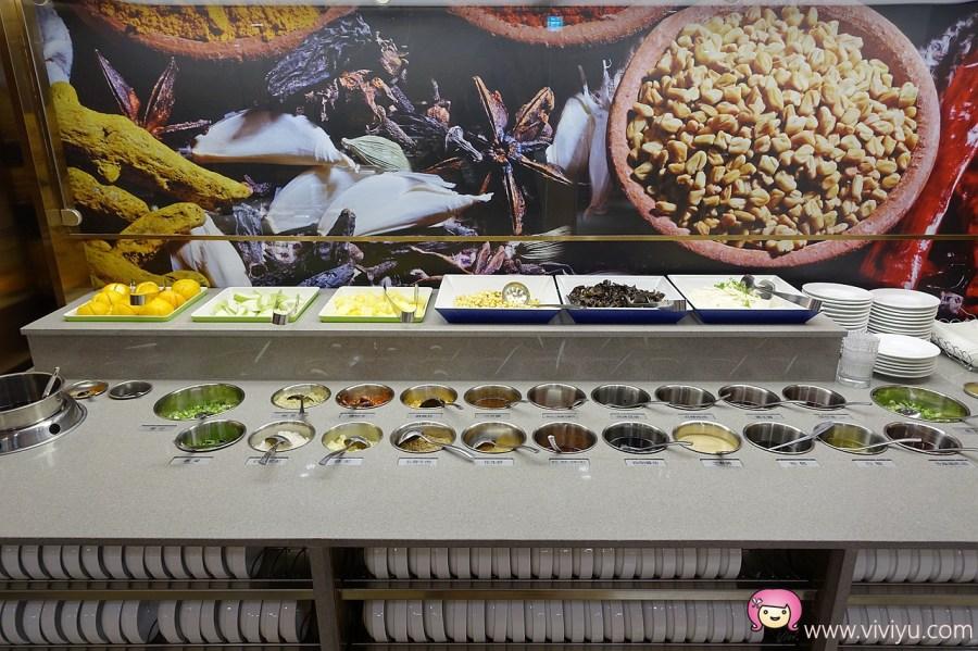 [板橋.美食]台灣海底撈二號店~板橋大遠百5樓.沒訂位也能快速吃到的方式●免費美甲服務+變臉秀● @VIVIYU小世界