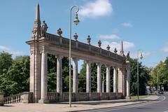 Potsdam: 2014 sanierte südliche Kolonnade der Glienicker Brücke - South Colonnade of Glienicke Bridge restored in 2014