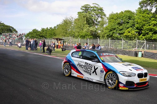 Rob Collard heads on to the grid at Oulton Park, May 2017