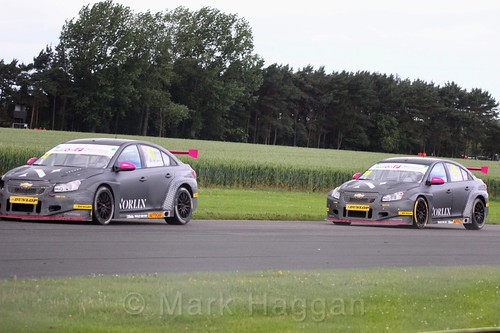 Chris Smiley and Dave Newsham in BTCC action at Croft, June 2017