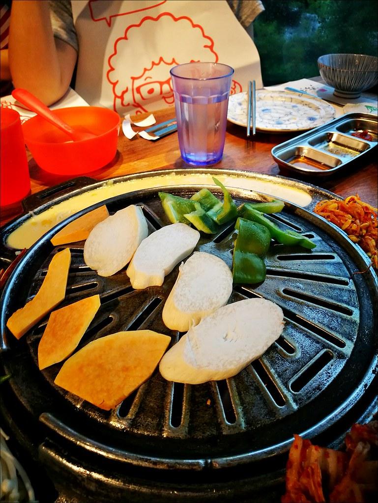 [臺中] 滋滋咕嚕 臺中藝人納豆開得韓國燒烤料理店 套餐份量多建議四個人吃 | 酷麥克同名網誌