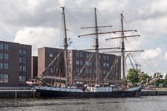 """Wismar: Segelschiff Fridtjof Nansen im Alten Hafen - Sailing ship """"Fridtjof Nansen"""" in the Old Harbour"""