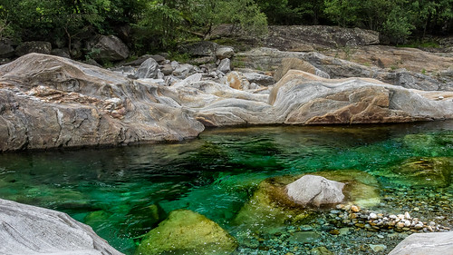 """Valle Verzasca • <a style=""""font-size:0.8em;"""" href=""""http://www.flickr.com/photos/42341582@N06/36096352976/"""" target=""""_blank"""">View on Flickr</a>"""