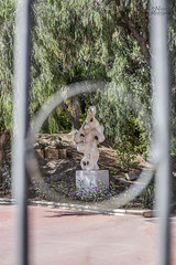 Escultura entre el anillo...