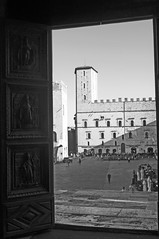 """Todi • <a style=""""font-size:0.8em;"""" href=""""http://www.flickr.com/photos/26654209@N07/35726922984/"""" target=""""_blank"""">View on Flickr</a>"""