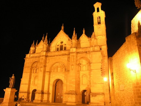 Antequera cathedral at night