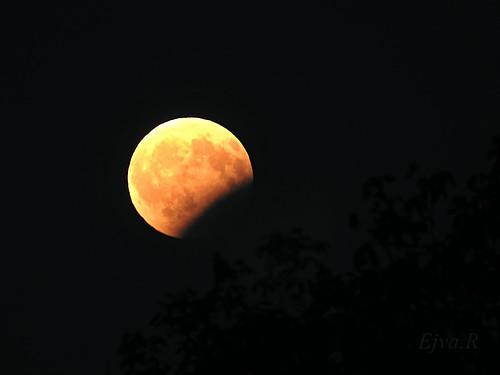 Partial lunar eclipse on August 7, 2017/ Részleges holdfogyatkozás 2017. augusztus 7-én