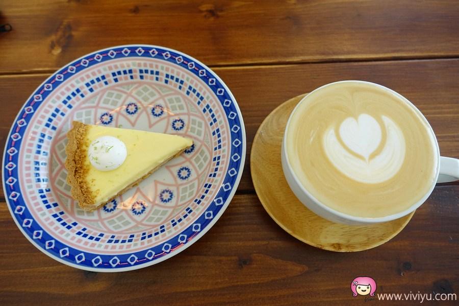 [中壢美食]雷爾森咖啡館.可愛的龍貓拉花咖啡~鄰近中壢觀光夜市旁.每日限量甜點 @VIVIYU小世界
