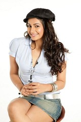 Indian Actress Ragini Dwivedi  Images Set-1   (33)