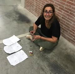 """La regidora Cristina Comas (@cricospa68) enviant els resultats oficials del referèndum a la Generalitat des d'un punt indeterminat de #Tiana... 😉 @isalvatierra: """"No teníem cobertura mòbil, no teníem internet perquè l'Estat ens el hackejava constantme"""