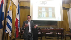 """Lic. Andrés Buschiazzo: Comunicación y psicoterapia • <a style=""""font-size:0.8em;"""" href=""""http://www.flickr.com/photos/52183104@N04/38038379656/"""" target=""""_blank"""">View on Flickr</a>"""