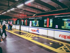 RapidKL Putra Heights (PH21/KJ37) LRT Station - http://4sq.com/xwqj1I #travel #holiday #trainstation #railwaystation #Asia #Malaysia #旅行 #度假 #火车站 #亚洲 #马来西亚