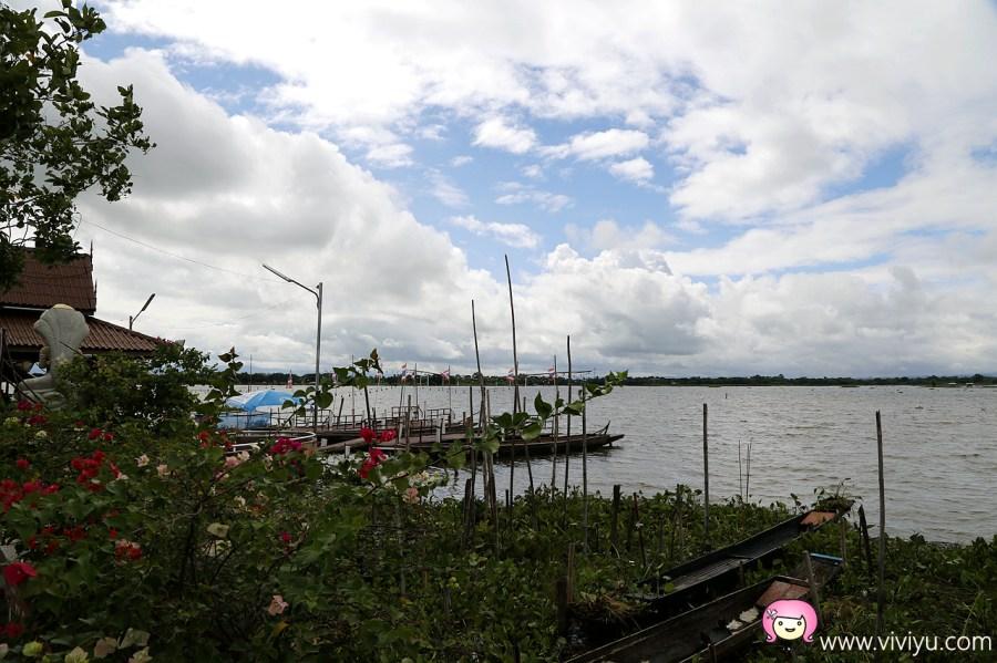 [清萊景點]帕堯湖(Phayao Lake;กว๊านพะเยา).搭船參拜水中廟~寧靜休閒的氣氛 @VIVIYU小世界