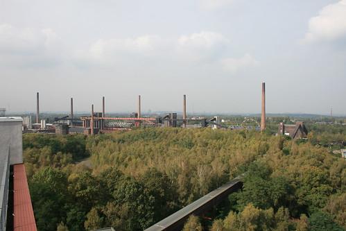 "Zeche Zollverein • <a style=""font-size:0.8em;"" href=""http://www.flickr.com/photos/160223425@N04/38182043124/"" target=""_blank"">View on Flickr</a>"