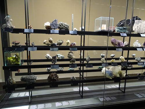 """Museu Blau Barcelona Minerals • <a style=""""font-size:0.8em;"""" href=""""http://www.flickr.com/photos/160223425@N04/27031995579/"""" target=""""_blank"""">View on Flickr</a>"""