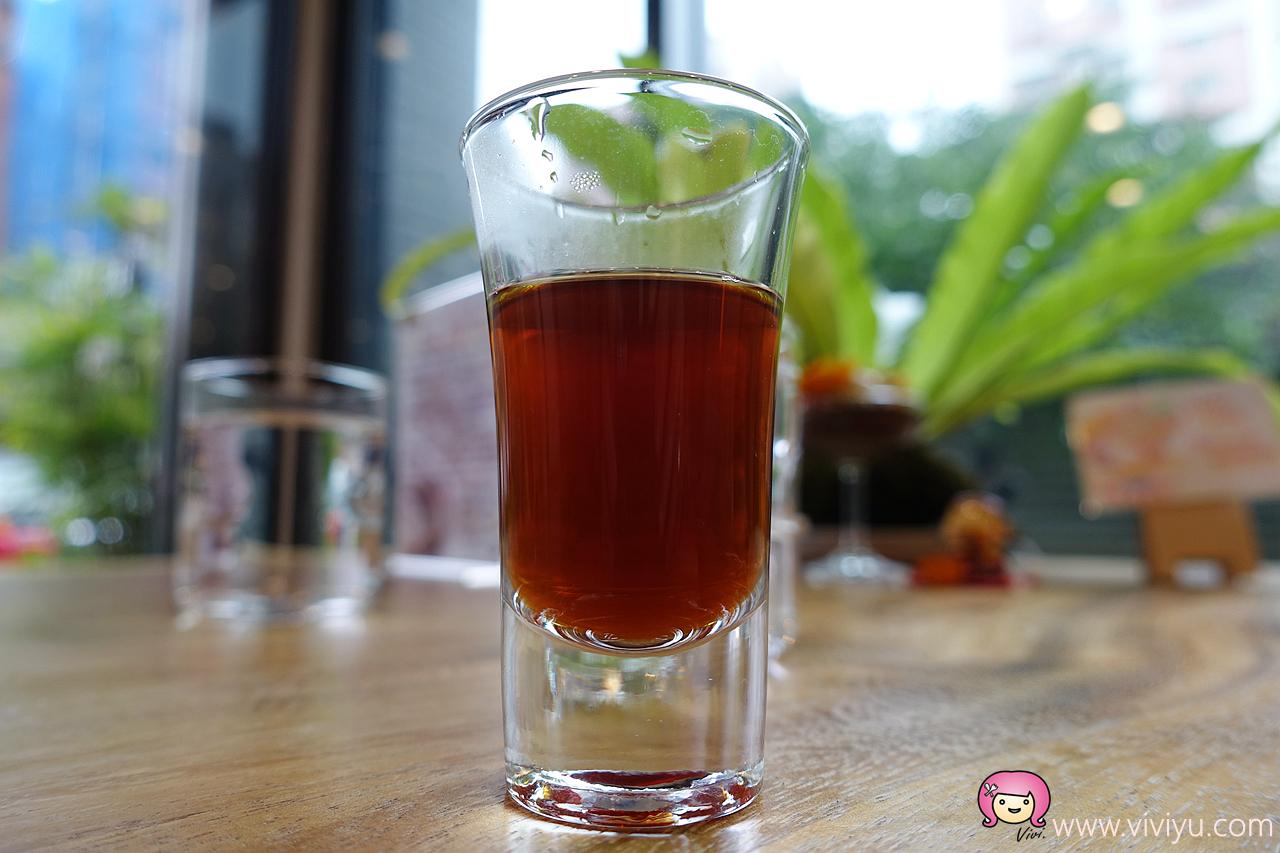 [龜山美食]ㄩㄢˊ咖啡事務所.林口長庚附近~緣份的起點.一杯香醇濃郁的好咖啡.甜點有水準 @VIVIYU小世界