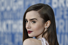 MOUNTAIN VIEW, CA - DECEMBER 03: Lily Collins attends the 2018 Breakthrough Prize at NASA Ames Research Center on December 3, 2017 in Mountain View, California. (Photo - Yichuan Cao / Sipa USA)
