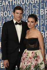 MOUNTAIN VIEW, CA - DECEMBER 03: Ashton Kutcher (L) and Mila Kunis (R) attend the 2018 Breakthrough Prize at NASA Ames Research Center on December 3, 2017 in Mountain View, California. (Photo - Yichuan Cao / Sipa USA)