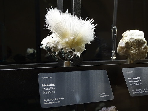 """Museu Blau Barcelona Minerals • <a style=""""font-size:0.8em;"""" href=""""http://www.flickr.com/photos/160223425@N04/27032001629/"""" target=""""_blank"""">View on Flickr</a>"""