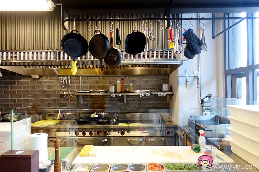 新竹漢堡,新竹美食,柴窯製造所,漢堡,肩小排肉蛋吐司 @VIVIYU小世界