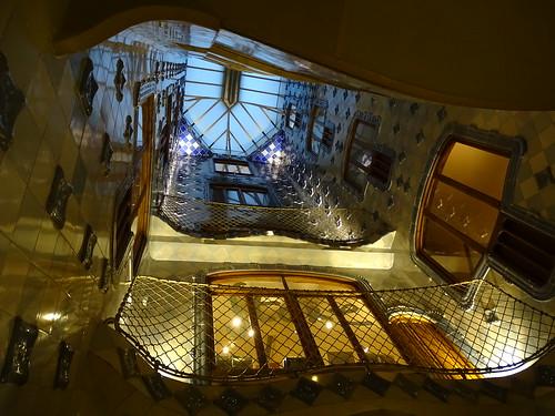 "Casa Batlló Gaudi Barcelona • <a style=""font-size:0.8em;"" href=""http://www.flickr.com/photos/160223425@N04/23943593787/"" target=""_blank"">View on Flickr</a>"