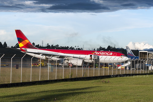 Avianca Airbus A330-200 MDE