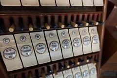 Een detail van een Steimeyer-speeltafel.