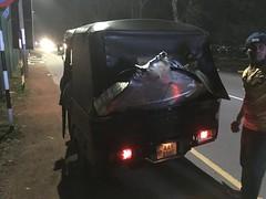 unsere Velos im Tuktuk