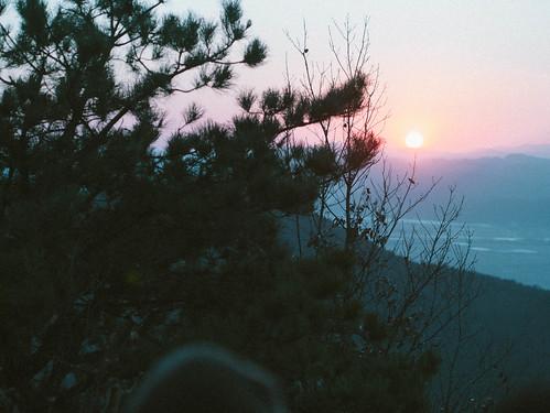 Climbing Geom-moo mountain for sunrise_MDY_180101_50
