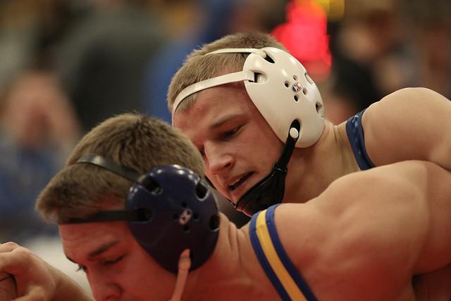 170 - Peyton Robb (Owatonna) over Alex O`Connor (Hastings) Fall 0:39 - 171230amk0032