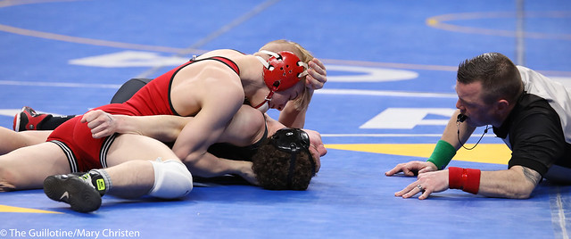 Semifinal - Charlie Pickell (Mankato West) 47-3 won by major decision over Jacob Prunty (Worthington) 38-3 (MD 11-1). 180303AMC5224