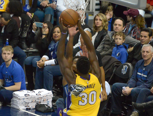 """Los Angeles Lakers vs Dallas Mavericks • <a style=""""font-size:0.8em;"""" href=""""http://www.flickr.com/photos/10266314@N06/39000490764/"""" target=""""_blank"""">View on Flickr</a>"""