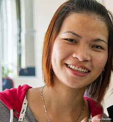 """Girl in Huế • <a style=""""font-size:0.8em;"""" href=""""http://www.flickr.com/photos/23163398@N00/25765384108/"""" target=""""_blank"""">View on Flickr</a>"""