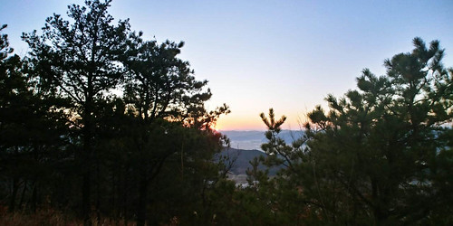 Climbing Geom-moo mountain for sunrise_MDY_180101_46