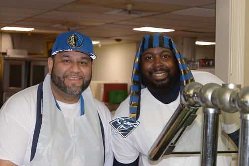 """Wesley Matthews and Mavs Assist Local Shelter • <a style=""""font-size:0.8em;"""" href=""""http://www.flickr.com/photos/10266314@N06/24790586517/"""" target=""""_blank"""">View on Flickr</a>"""