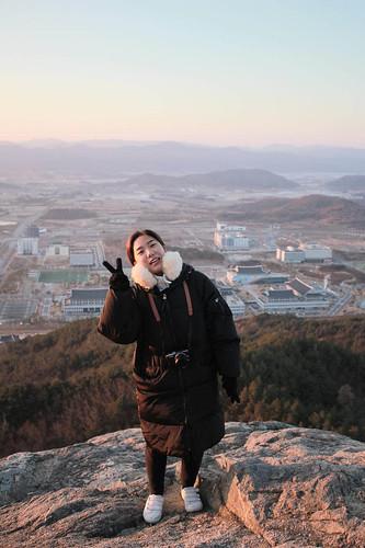 Climbing Geom-moo mountain for sunrise_MDY_180101_89