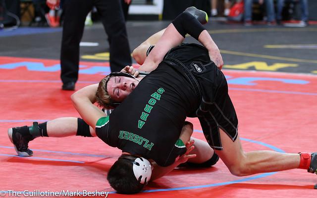 182A Semifinal - Holt Truax (Bertha-Hewitt-Verndale-Parkers Prairie) 43-1 won by major decision over Garrett Ploeger (Pipestone Area) 37-9 (MD 20-8) - 180303amk0077