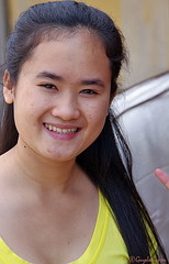 """Girl in Hoi An • <a style=""""font-size:0.8em;"""" href=""""http://www.flickr.com/photos/23163398@N00/28014969149/"""" target=""""_blank"""">View on Flickr</a>"""
