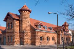 Berlin: Restauriertes  Gebäude auf dem Campus Nord der Humboldt Universität - Restored brick building on the Humboldt University's Campus North