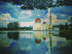 https://www.google.com/maps/place/3%C2%B000'31.6%22N+101%C2%B036'21.9%22E/@3.008765,101.606089,17z?hl=zh&gl=cn  RapidKL Puchong Perdana (PH18) LRT Station - Persiaran Puchong Perdana, Taman Puchong Perdana - http://4sq.com/1QmJepW  #travel #holiday #Lake