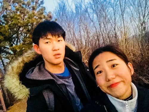 Climbing Geom-moo mountain for sunrise_MDY_180101_17