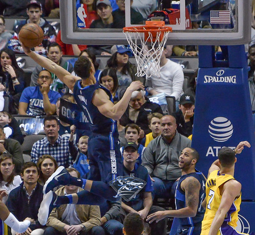 """Los Angeles Lakers vs Dallas Mavericks • <a style=""""font-size:0.8em;"""" href=""""http://www.flickr.com/photos/10266314@N06/39000470524/"""" target=""""_blank"""">View on Flickr</a>"""