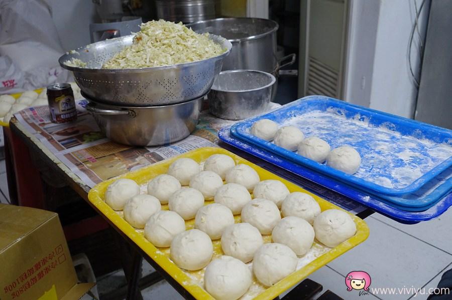 [八德美食]正宗煎包大王.中式早點選擇多~早餐時段滿滿排隊人潮.手工粉漿蛋餅 @VIVIYU小世界