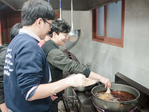 Mission Work using Stir-fried Rice Cake_MDY_180311_40